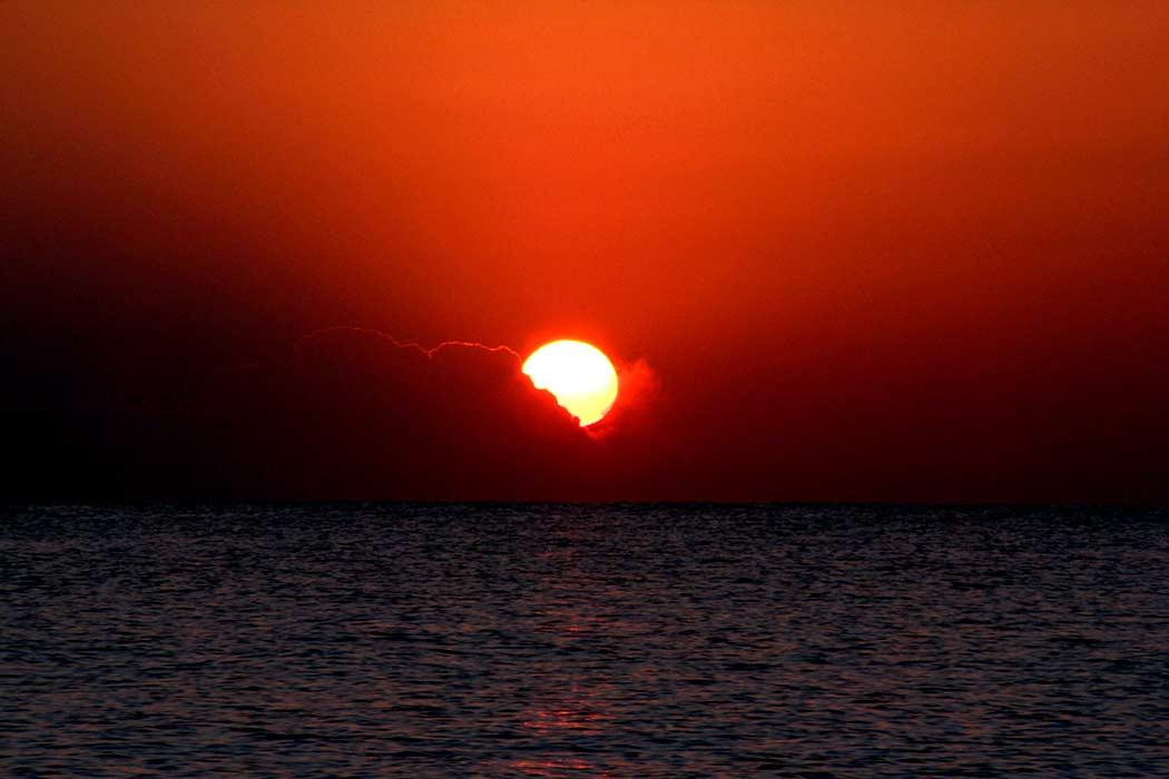 طلوع آفتاب جزیره کیش  Sunrise in Kish Island